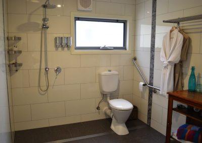 thefarm-olive-branch-bathroom